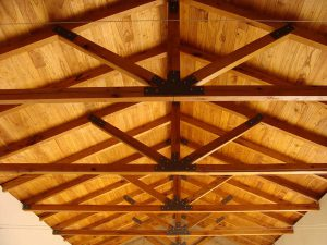 Solid-Oak-Roof-Trusses-1