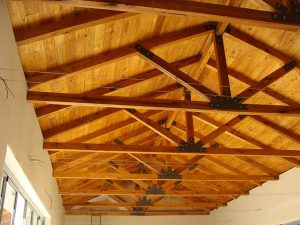 Solid-Oak-Roof-Trusses-2